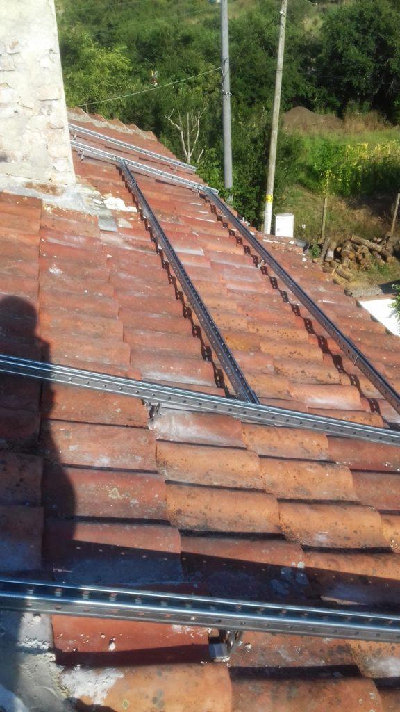 конструкция за соларна система за керемиден покрив