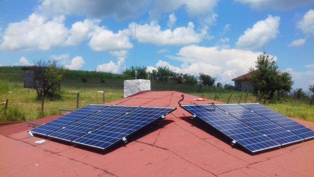 фотоволтаични модули на покрив
